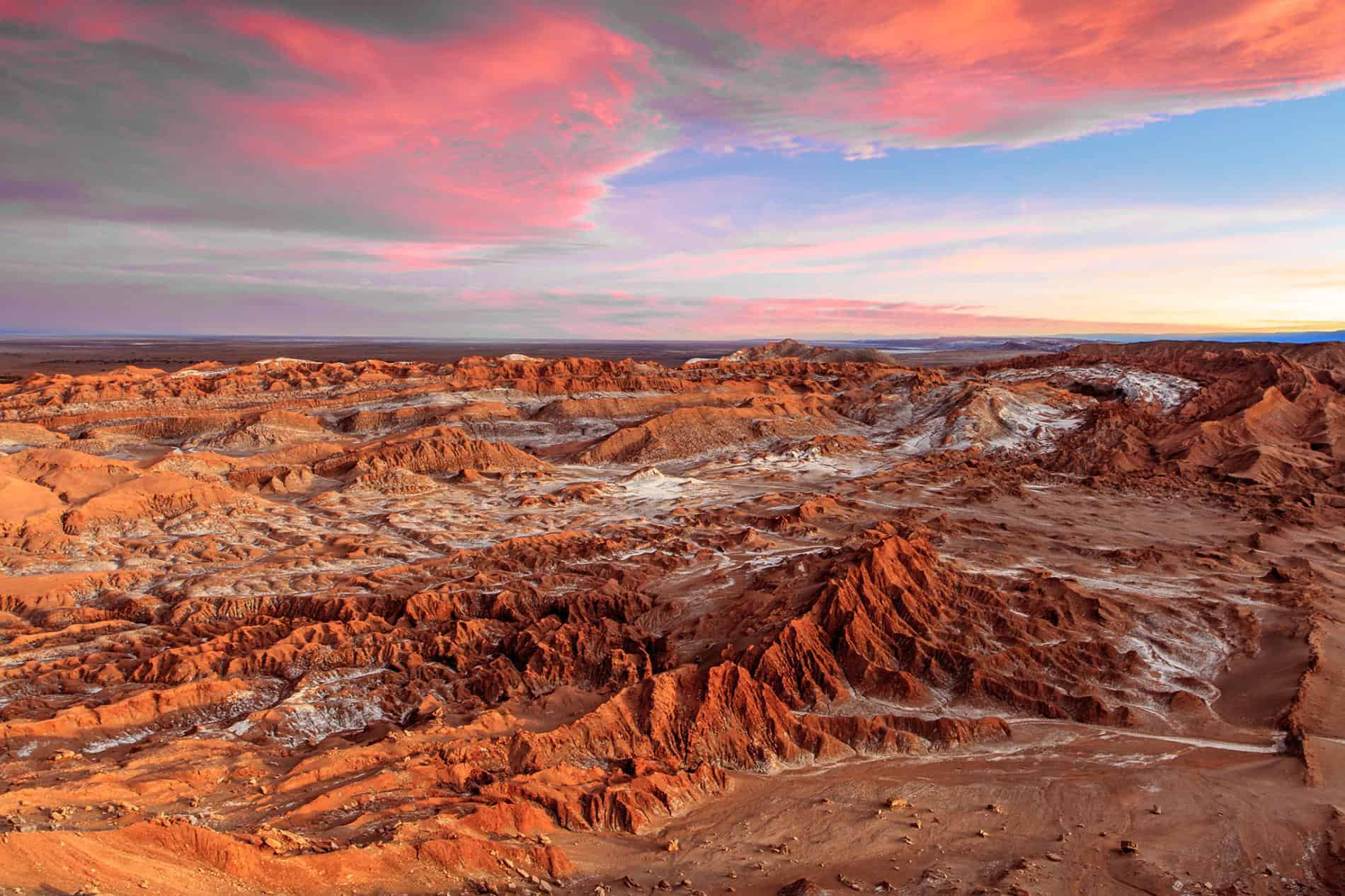 Places Around The World That Are Almost Inhospitable