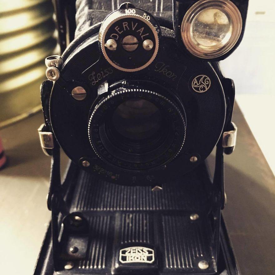 Man Buys Antique Camera, Is left Speechless When He Develops The Film He Had Discovered Inside